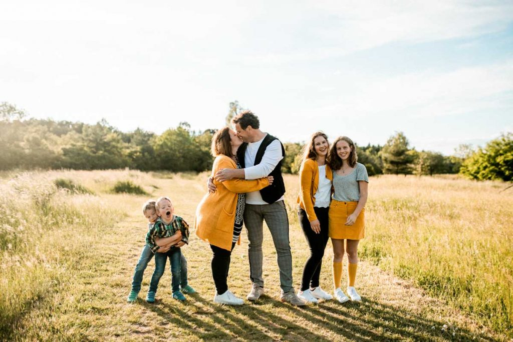 Familienshooting in Heilbronn - Lockere Familienfotos in der Natur