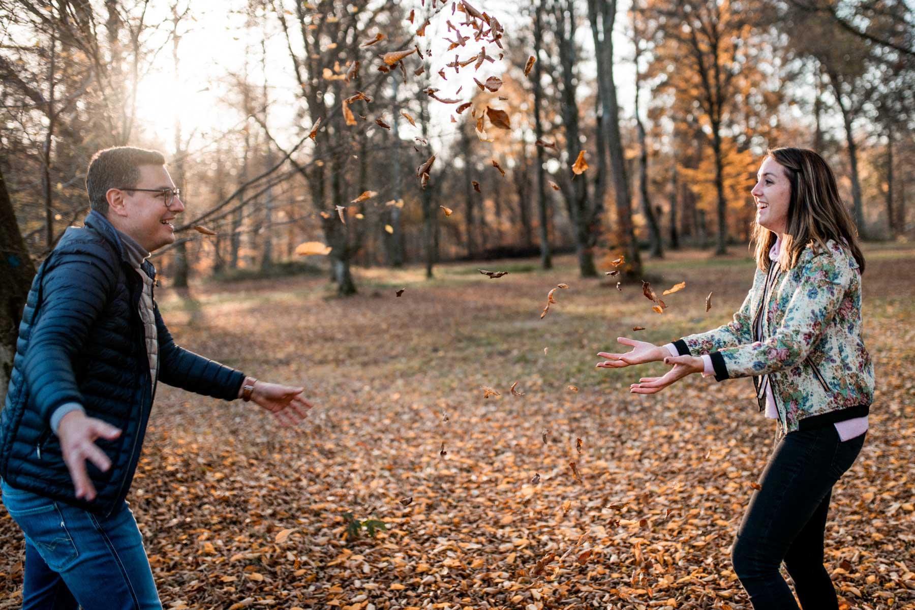 Goldene Zeit - Herbstliche Paarfotos am Bärenschlössle